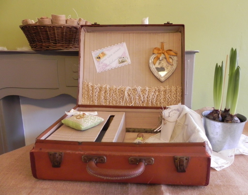 valise-urne-de-mariage-originale