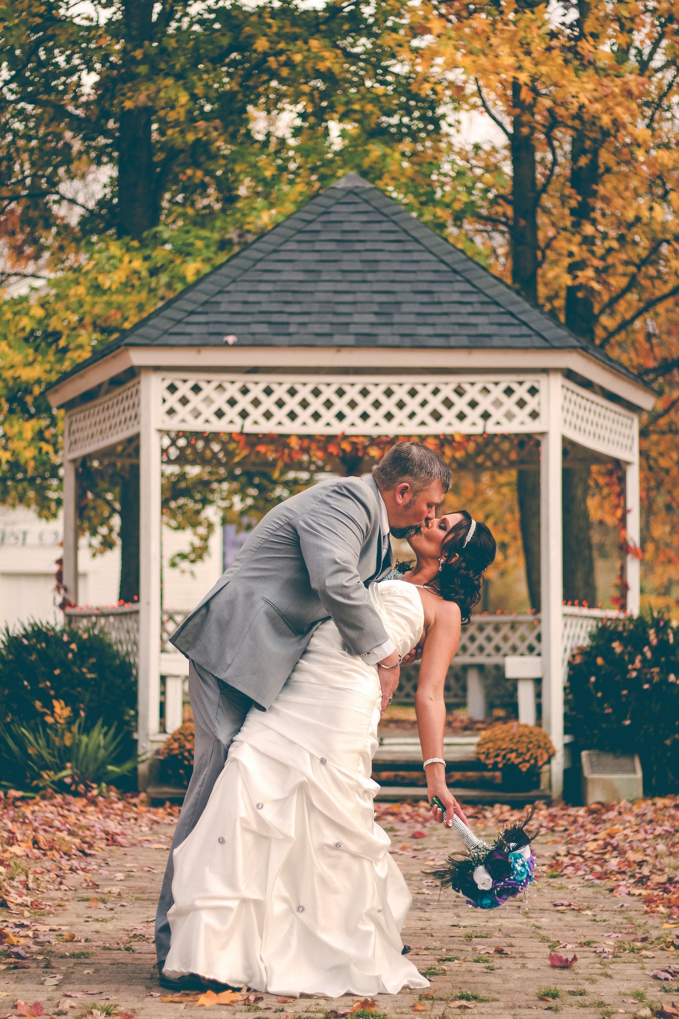 Mariage: annoncez le vôtre grâce à un faire-part original!