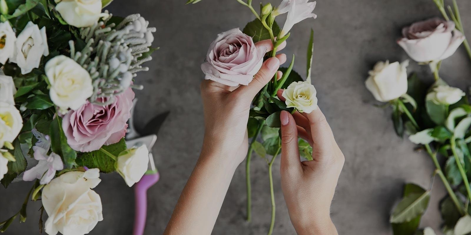 Comment choisir un bouquet de fleurs à offrir aux mariés?